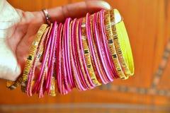 Indische armbanden stock afbeelding