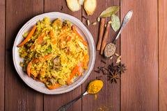 Indische Biryani met kip en kruiden Royalty-vrije Stock Foto