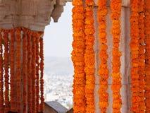 Indische Blumenhochzeitsdekoration stockfotografie
