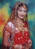 Indische Bruid in Rood Stock Afbeelding