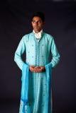 Indische bruidegom die een Dhoti draagt Stock Afbeeldingen