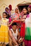 Indische bruidegom die huwelijksrituelen doen Royalty-vrije Stock Afbeelding