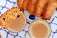 Indische chai - thee en toost royalty-vrije stock afbeelding