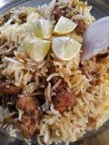 Indische eigengemaakte kippenbiryani stock afbeelding