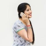 Indische Ethnie-Telekommunikations-Unterhaltungsdaten-Konzept stockfotos