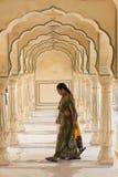 Indische Frau bei Amber Fort Lizenzfreie Stockbilder