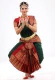 Indische Frau, die Tanz durchführt lizenzfreies stockbild