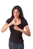 Indische Frau mit den Fäusten am betriebsbereiten Stockfotografie