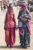 Indische Frauen am jährlichen Pushkar-Kamel Mela Indien Stockbild