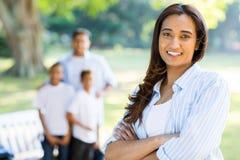 Indische Frauenfamilie lizenzfreies stockfoto