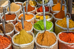Indische Gewürze am Markt in Anjuna Lizenzfreies Stockfoto