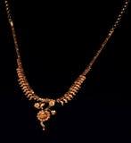 Indische Goldhalskette Lizenzfreie Stockfotografie