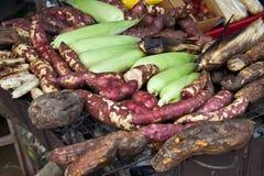 Indische Körner und Colocasias Stockfoto