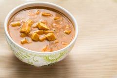 Indische Küche-Zartheit, Matar Paneer, Curry in einer Schüssel Lizenzfreie Stockbilder
