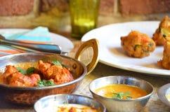 Indische kerrie met kruidige saus Stock Afbeelding