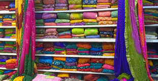 Indische Kleurrijke Sarees Stock Foto's