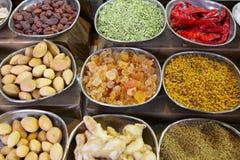 Indische kruiden en noten Stock Foto's