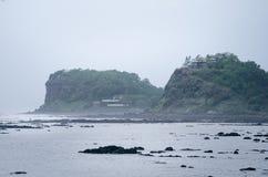 Indische kustlijnen en moessonseizoen Regenachtige dag in India Irelands en kustconcept mooie aard tijdens een moesson stock afbeeldingen