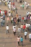 Indische menigte in een godsdienstige gebeurtenis Stock Afbeeldingen
