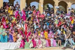 Indische mensen in Woestijnfestival in Jaisalmer, Rajasthan, India Stock Afbeeldingen