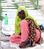 Indische moslemische Frauen Homless, die in der Straße bitten Stockbilder