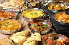 Indische Nahrungsmittelcurry-Mahlzeit-Teller Stockfoto