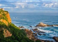 Indische Oceaan in Knysna, Zuid-Afrika stock foto