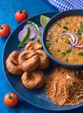 Indische Rajasthani-cuisine- Dal baatichoorma royalty-vrije stock fotografie