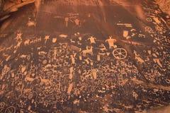 Indische rotstekeningen, het Historische Monument van de Staat van de Krantenrots, Utah, de V.S. Stock Afbeeldingen