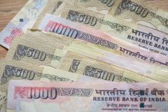 Indische Rupie der höchsten Bezeichnungen zurückgenommen von der Zirkulation lizenzfreies stockfoto