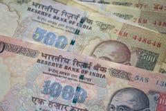 Indische Rupie der höchsten Bezeichnungen zurückgenommen von der Zirkulation lizenzfreie stockfotos