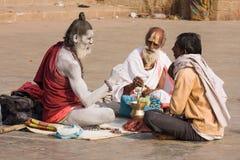 Indische sadhu (heilige mens). Varanasi, Uttar Pradesh, India. Royalty-vrije Stock Foto's