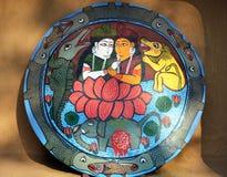 Indische schöne Kunst auf Lehmscheibe Stockbild