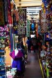 Indische Shops in einer Marktstraße Stockbild