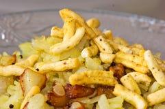 Indische Snacks Poha met Sev Stock Foto
