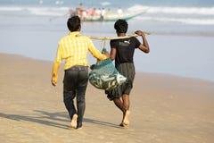 Indische visser met de vissen Stock Fotografie