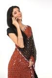 Indische vrouw met cel Royalty-vrije Stock Foto's