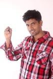 Indischer Behälter u. Schreiben des jungen Mannes - auf weißem Hintergrund lizenzfreie stockfotografie