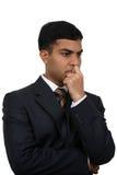 Indischer Geschäftsmann thinking1 Lizenzfreie Stockfotografie