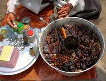 Indischer Herbalist Stockfotografie