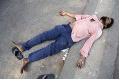 Indischer Mann auf der Straße. Stockbilder