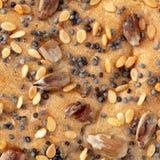 Indischer Sesam mit Samen und Mohn auf Brot Stockbild