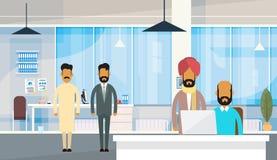 Indisches Geschäftslokal Leute-Geschäftsmann-Group Traditional Clothess Indien Lizenzfreies Stockfoto