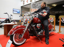 Indisches Pfadfindermotorrad angezeigt an der 3. Ausgabe von MOTO-ZEIGUNG in Krakau Lizenzfreies Stockbild