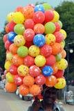 Indisk ballongsäljare Royaltyfria Bilder