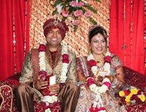 Indisk brud och brudgum Fotografering för Bildbyråer