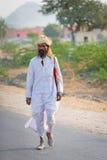 Indisk countryman i traditionell vittorkduk arkivbild