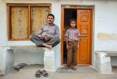 Indisk familj Arkivfoto