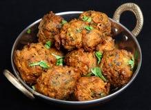 Indisk grönsakPakora mat arkivbilder