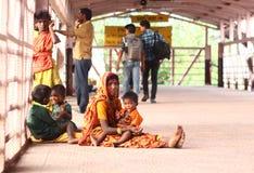 Indisk järnväg station Arkivbilder